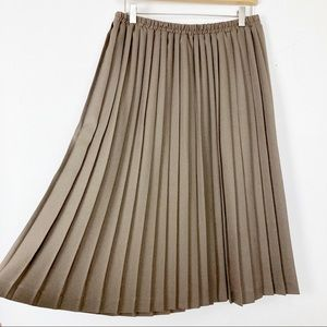 Vintage pleated midi skirt neutral earthy brown